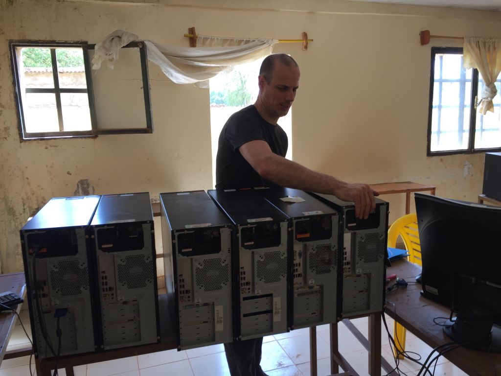 Installation des PCs au Burkina Faso
