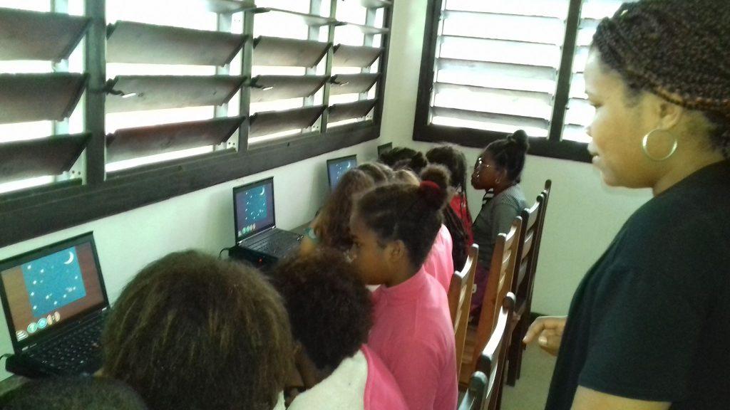 2019 Madagascar formation aux élèves à Sainte-Marie